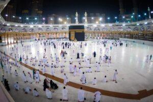 Pilgrims return to Mecca